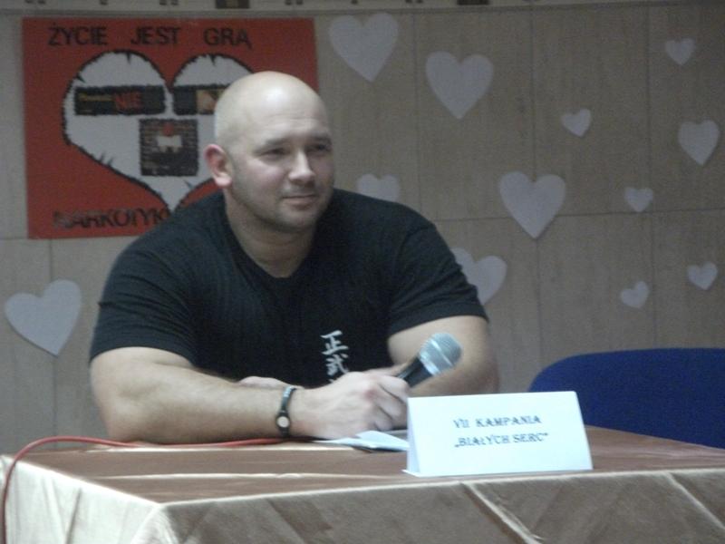 Kamil Bazelak na pokazach w Niedzborzu